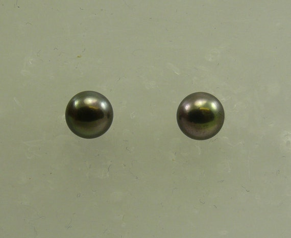 Freshwater Black Button Shape Pearl Earring 14k Yellow Gold Post and Push Back