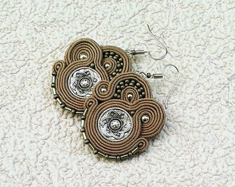 Soutache Earrings beige colors- Soutache earrings  -  Handmade Earrings. Beige earrings. Light brown earrings