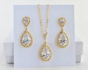 Gold Bridal Crystal Set Gold Wedding Cubic Zirconia Set Gold Teardrop Jewelry Set Gold Bridesmaid Jewelry Set Gold Wedding Crystal Set