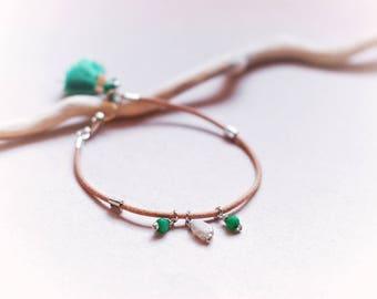 Minimalist natural leather bracelet, Green jade & labradorite, Boho tassel bracelet, Festival jewelry, Bohemian hand made gift for her