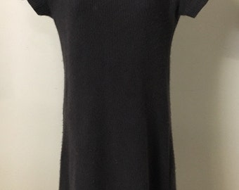 Calvin Klein Collection Cashmere Dress in Charcoal Grey. Perfect for staple piece for a business or professional wardrobe.