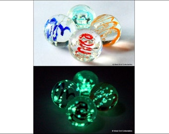 4 x 16mm Luminescent Glow In The Dark Glass Marbles - Handmade Jewellery Pendant Stone