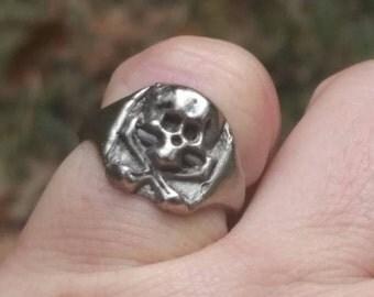 Jolly Roger ring. Skull and crossbones ring. Small skull ring. Adjustable jolly roger ring. Bohemian ring. Gypsy ring. Rock and roll ring.