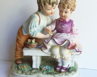 Napcoware Classic Gallery - Boy and Girl Figurine