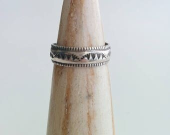 Vintage Sterling Silver Navajo Native American Southwestern Traditional Hand Stamped Wedding Band Stacker Stacking Ring