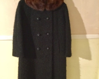 1960s Double Breasted Black Wool Coat With Mink Collar in Excellent Conition