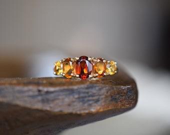 10 Karat Yellow Gold Vintage Ombre Gemstone Band, US Size 7.0, Used Vintage Ring
