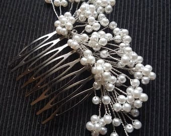 Ivory pearl decorative hair comb / clip / pin, ideal for a bride, bridesmaid or flowergirl