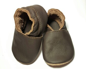 HOT SALE! Baby shoes leather 100%, soft sole baby shoes, baby slippers, toddlers moccasins, crib shoes, baby gift, basic chokolate brown,