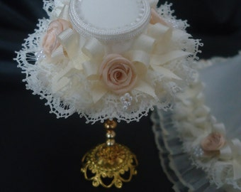 Elegant Victorian weddinghat 1/12th scale