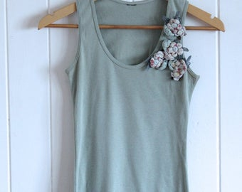 Soft green singlet, tank, vintage, floral feature