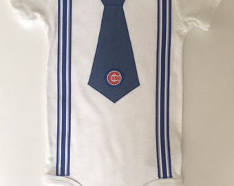 Cubs bodysuit, Chicago cubs,  Chicago Baby Gift, chicago pride, cubs baby shower gift, chicago cubs tie, Cubs logo, cubs tie bodysuit,