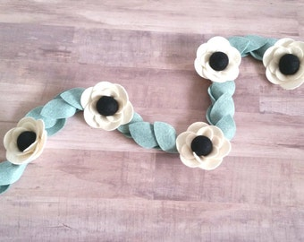 Felt Flower Garland, Felt Garland, Anemone Garland, Wedding garland, Christmas Garland, Wedding Decor, Nursery Decor, 3 ft, 6 ft