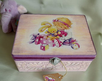 BABY KEEPSAKE BOX, baby gift, personalized storage box, jewellery box girl, personalized box, baby memory box, trinket box, decorated