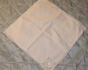 Set of 9 Vintage White Cotton Napkins with a Crocheted Edge