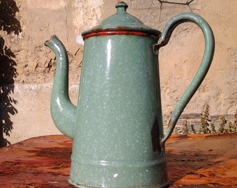 Beautiful old pot metal enamelled, green speckled