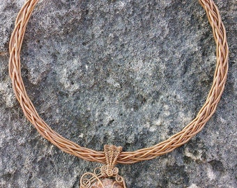 Necklace handcrafted of copper with aragonite