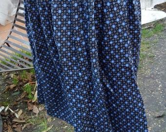 Under knee skirt vintage pattern