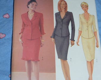 Butterick 6706  Misses / Misses Petite Top and Skirt Sewing Pattern - UNCUT - Size 12 14 16