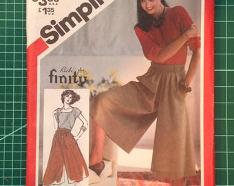 Vintage Uncut Sewing Pattern - Simplicity 5433 Misses Culottes; palazzo pants; dress pants.  Size 16