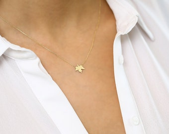14K Gold Leaf Necklace/ Made to Order Maple Leaf Charm Canadian Girl Gift/ Custom Minimalist Necklace Nature Lover Gift/ Graduation Gift