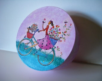 decorated cardboard box gift idea-decoupage
