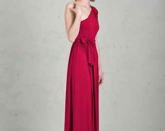 Long Bridesmaid Dress - Linnea, Raspberry Red