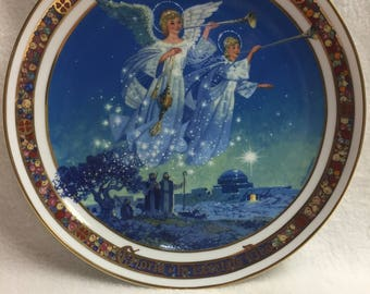 Royal Windsor - Gloria in Excelsis Deo - Angel Collector Plate (#011)