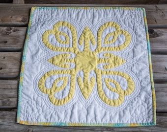 Yellow Hawaiian Appliqué