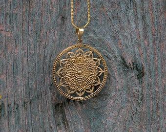 Brass Pendant Flower Mandala / Pendentif fleur Mandala en Laiton