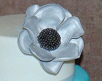 Edible silver fantasy flower
