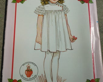 Vintage Sewing Pattern. Butterick 4824.  Strawberry Shortcake dress. Child size 5-6-6x complete and uncut. 1980s.