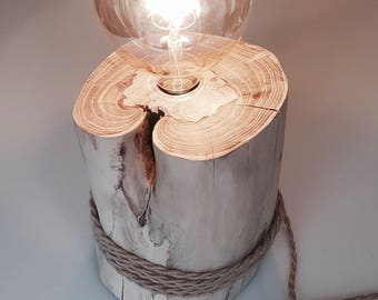 Wood lamp with vintage light bulb
