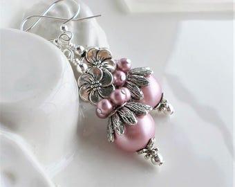 Pink Pearl Earrings, Dusty Rose Pearl Silver Earrings, Pearl Cluster Earrings, Pearl Earrings, Drop Earrings, Antique Silver Pearl Earrings