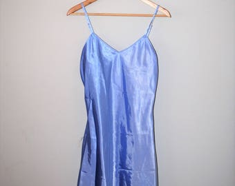 wet look lilac spaghetti strap slip dress 90s vintage shiny metallic pastel baby doll dress small
