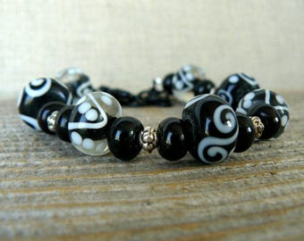 Black and White Bracelet, Lampwork Glass Beads, Glass Beaded Jewelry, Gift For Her, Beaded Bracelet, Everyday Bracelet