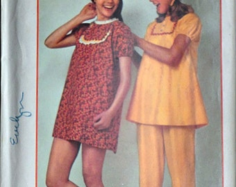 Vintage 70's Simplicity 9626 Sewing Pattern, Super Simple Pajamas or Nightgown, Size Large 16-18, Bust 38-40, Uncut