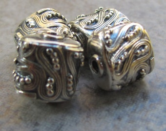 Set of two squares with swirls and dots/Handcrafted by Silversmiths in Bali, Indonesia/Sterling silver/.925 silver