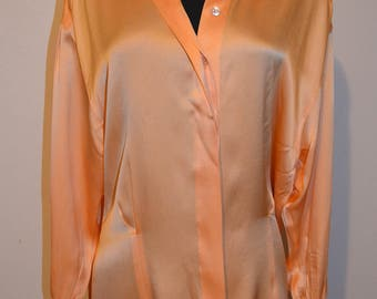 80s 90s Escada Rey Silk Man wear oversized shirt cuff sleeves for links.  Versatile collar. tapered bodice. Cantaloupe Color. Bust 42