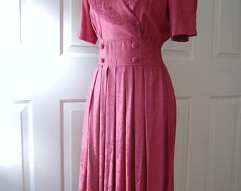 1980s Dress - 1940s Style Dress - Mauve Rayon Dress - Roses - Vintage Ladies Dress - Petite Dress- Classic Dress - Karin Stevens Dress