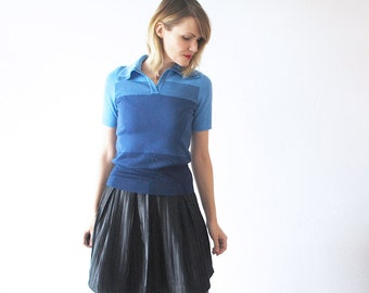 70s jersey top. skinny top. short sleeve blue sweater - small to medium