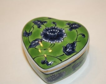 Otagiri Japan Ceramic Heart Trinket Box