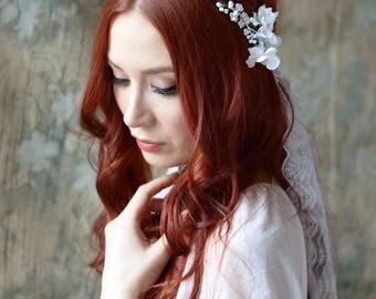 White lace veil, bridal veil, wedding flower headpiece, boho floral circlet, hair wreath, romantic wedding veil, bridal hair accessories