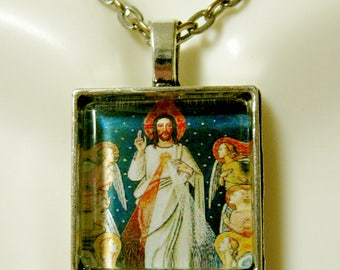 Divine mercy with the angels pendant and chain - AP28-039