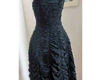 Bombshell Gothic Vintage 50's Coffin Drape Wiggle Dress Scalloped Hem