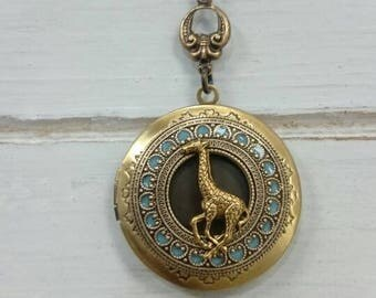 Giraffe Locket Necklace - antique style brass locket/Anniversary/Bridesmaid gift/ Wedding/Birthday/Sister/Mom/Daughter/Photo Picture/friend.