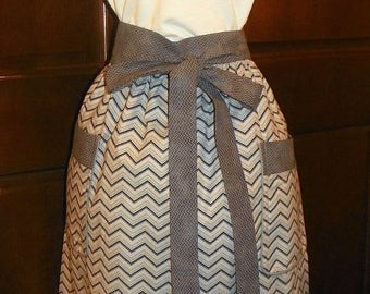 Awesone Trendy 28 inch Extra Long Waist Apron Blue and Gray Chevrons Handmade for Cooking Cleaning Craft Activities Clothes Protector