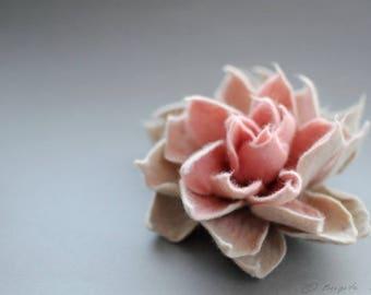 Felted Flower Brooch, Felt Flower Brooch, White Coffee Cream Blush Coral Pink Felt Flower Brooch, Fiber Art, Textile Flower, Romantic Flower