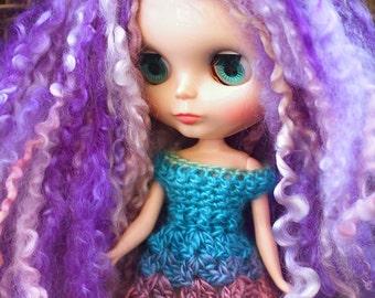 Rainbow Blythe Dress, Blythe Doll Lace Dress, Crochet Lace Outfit, Pastel Rainbow Doll Dress, Doll Lace Dress, Blythe Crochet Dress