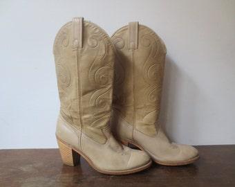 Vintage '70s Women's Blonde ACME Stack Heel Western Cowboy Boots, US Sz 7
